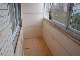 Пол и стены балкона
