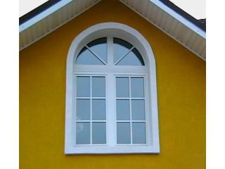 Окно с круглым верхом
